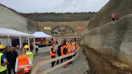 14.8.2020 proražen tunel Mezno